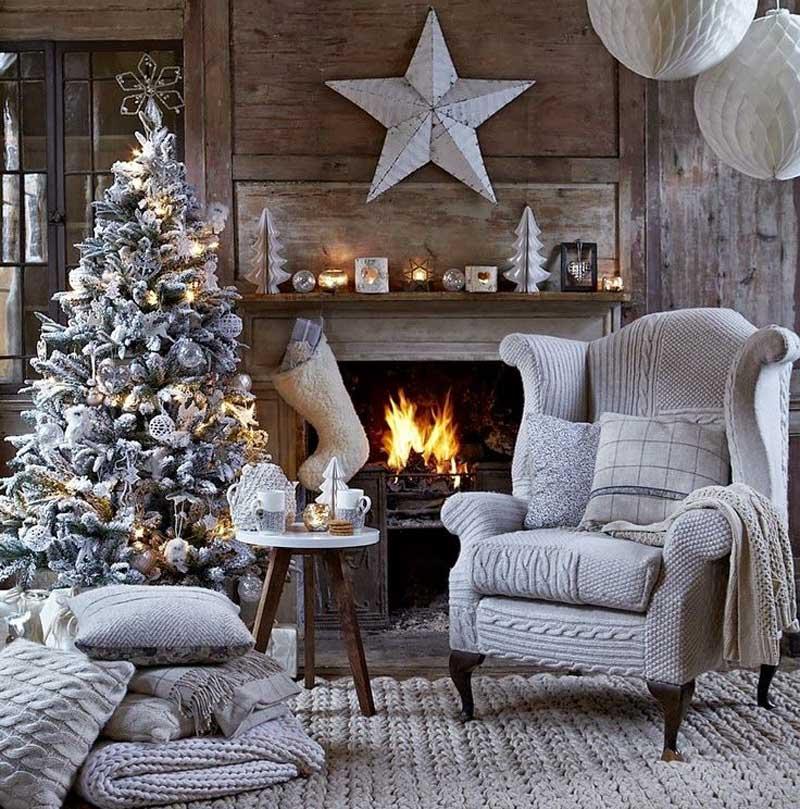 Christmas-living-room-decorating-ideas-11