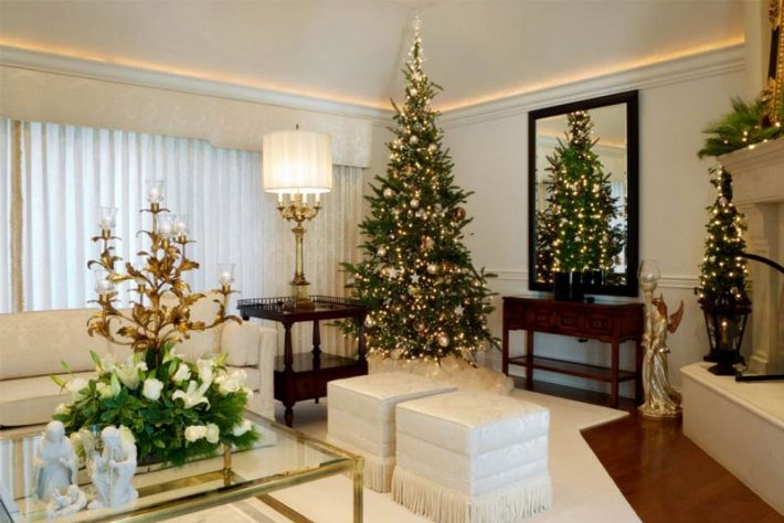 Christmas-living-room-decorating-ideas-12