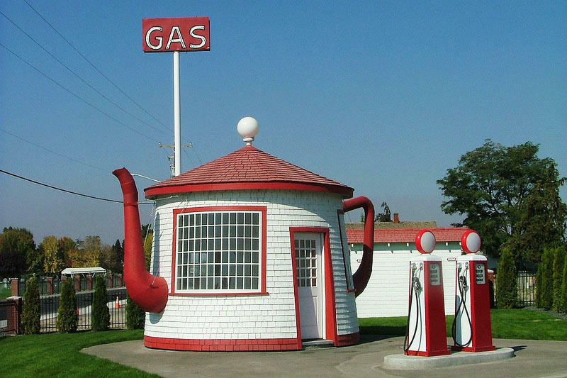 Teapot-Dome-Service-Station-1