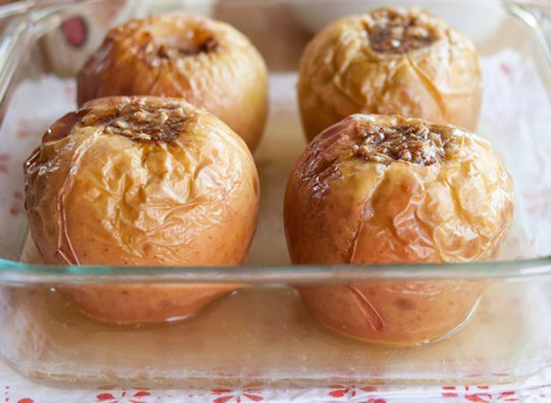 Oatmeal-Brown Sugar Baked Apples - Quiet Corner