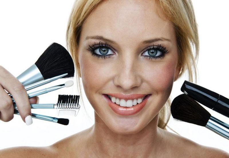 Oily Skin - Useful Makeup Tips