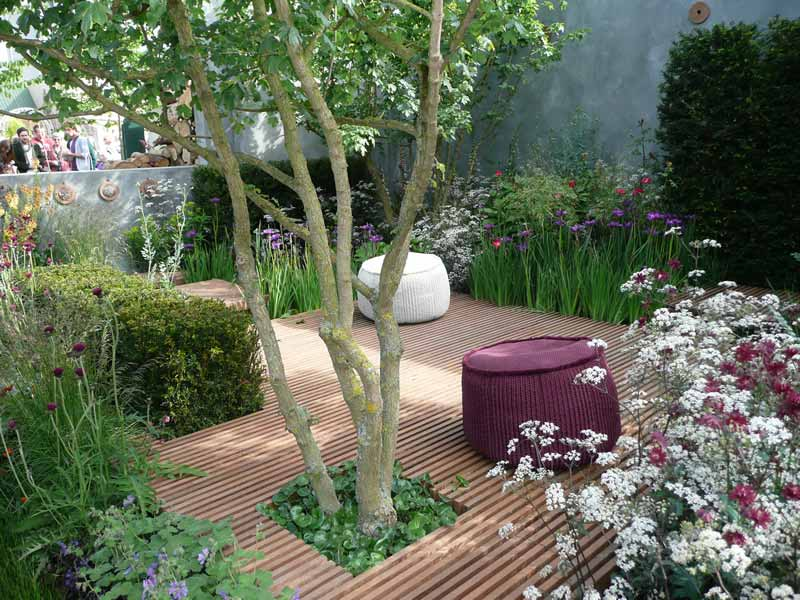 Small garden design ideas quiet corner for Courtyard landscape design