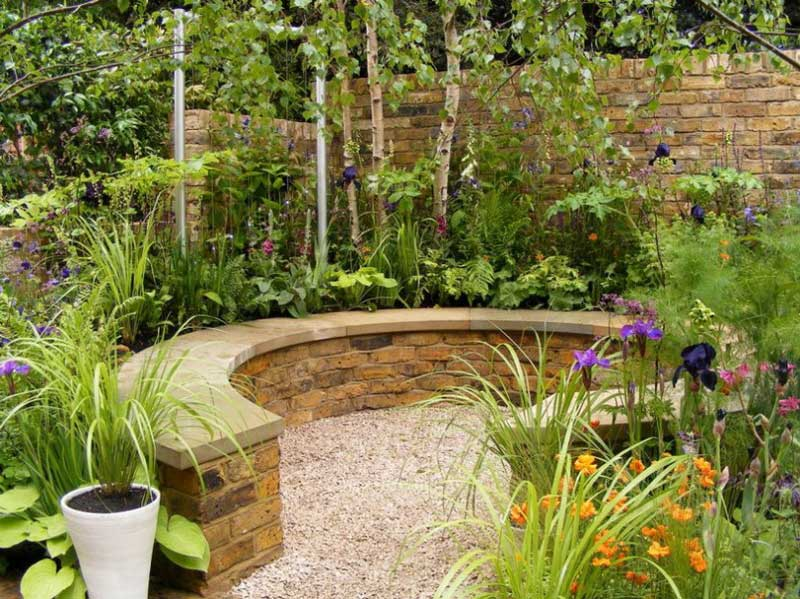 Small urban garden design ideas quiet corner for Inspirational small garden ideas