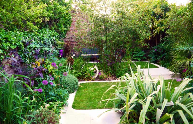 Small urban garden design ideas quiet corner - Landscape design for small spaces style ...