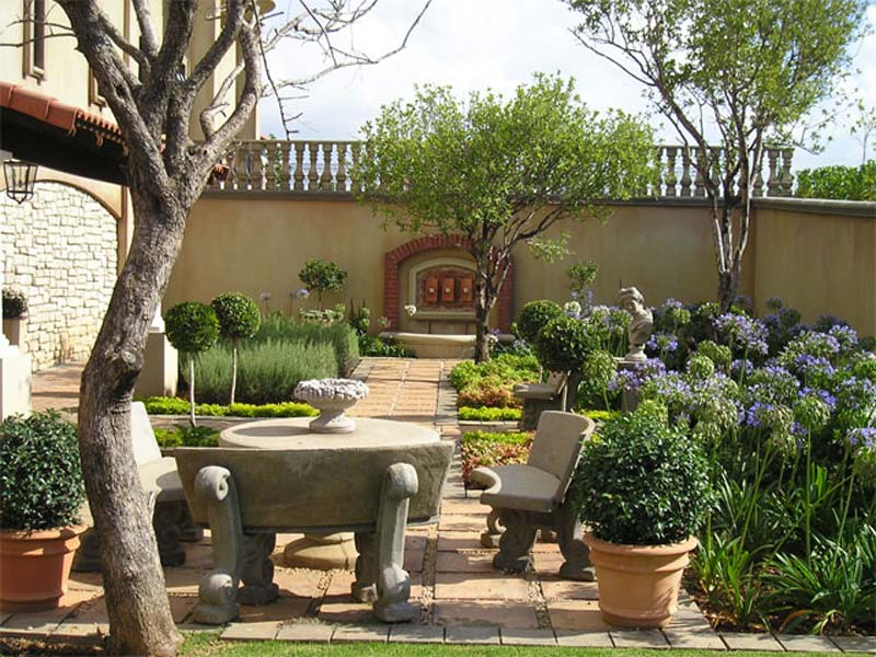 Small-Urban-Garden-Design-Ideas-And-Pictures-9