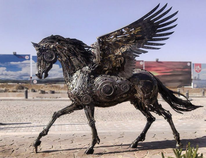 Steampunk-Animal-Sculptures-Made-Of-Scrap-Metal-By-Hasan-Novrozi--1