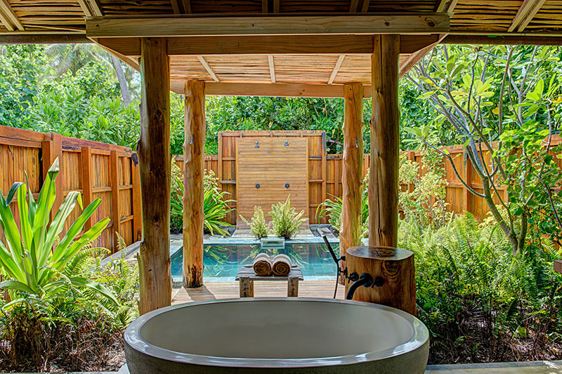 Beautiful Outdoor Bathroom Designs