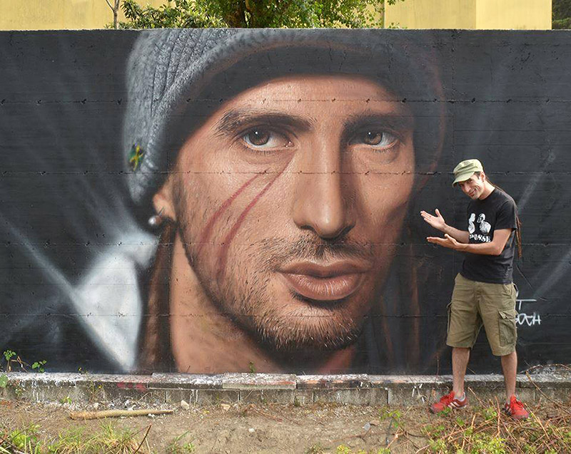 Hyperrealistic Street Art Portraits by Jorit AGOch (10)