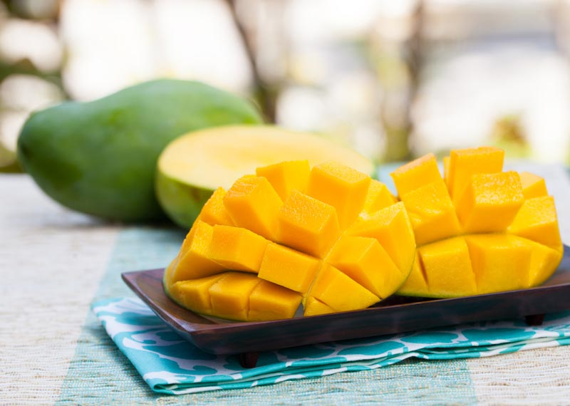 Five Reasons to Eat Mangoes Daily