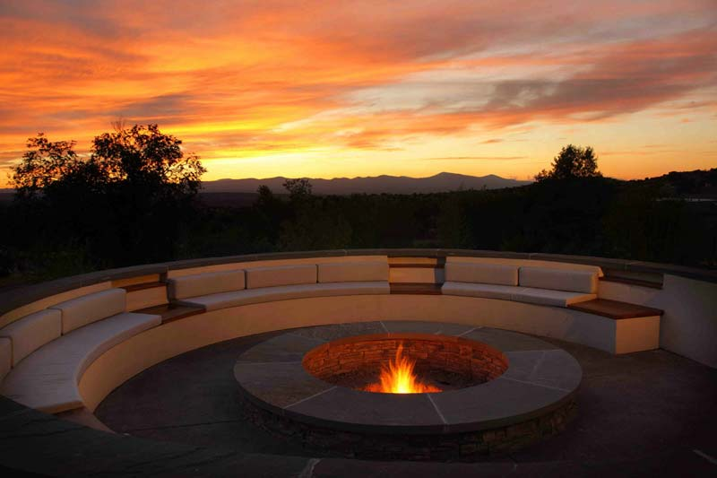 Outdoor Fire Pit Seating Ideas (1)