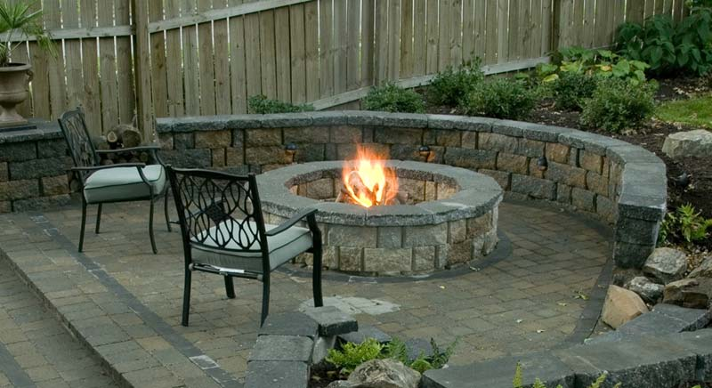 Outdoor Fire Pit Seating Ideas (2)