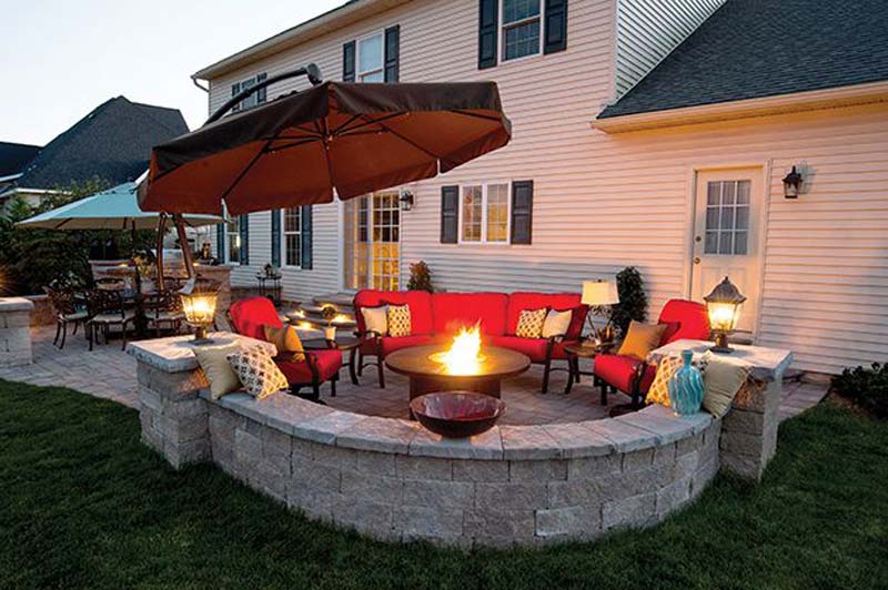 Outdoor Fire Pit Seating Ideas (9)