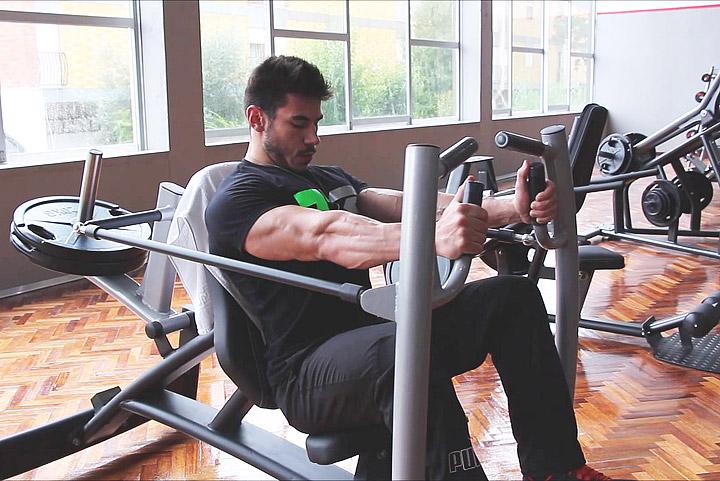 Machine vs free weights quiet corner