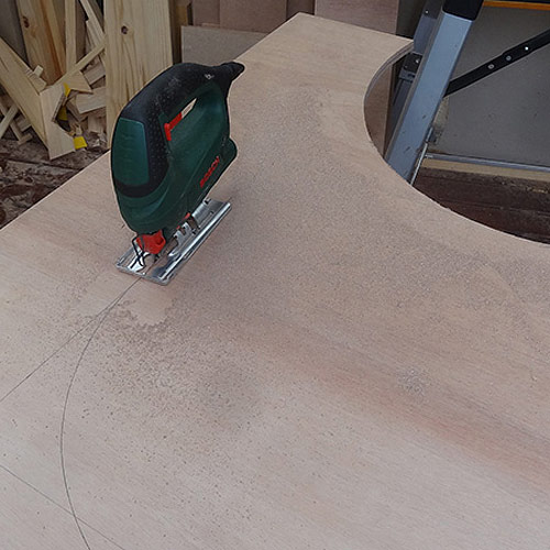 2. After cutting out the sides the remaining piece was used to cut the centre section. There wasn't enough to cut a complete section, so pieces were cut to make a whole section and these were joined together using a biscuit joiner and Ponal wood glue. - See more at: http://www.home-dzine.co.za/garden/garden-slat-bench.html#sthash.jCzYEiDi.dpuf