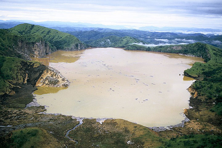 Lake Nyos – Deadliest Lake in the World