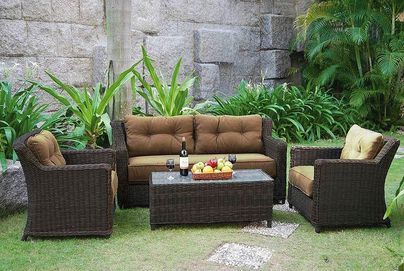 Beauty of wicker outdoor furniture quiet corner for Outdoor furniture wicker