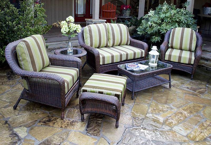 Beauty of Wicker Outdoor Furniture Quiet Corner