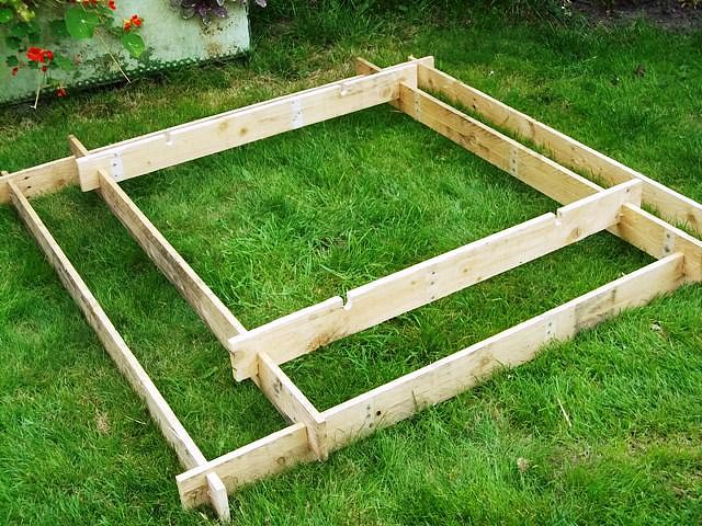 DIY - Pyramid Garden Planter