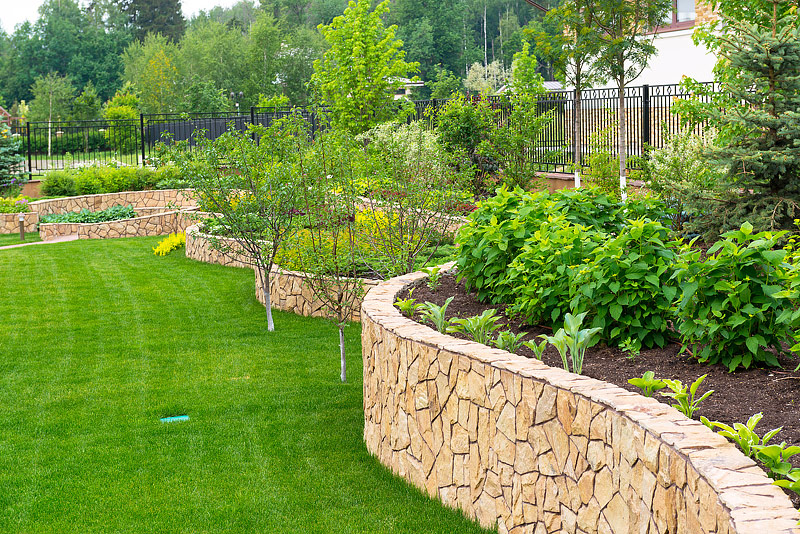 Garden Landscaping: Get Beautiful Look with Utility
