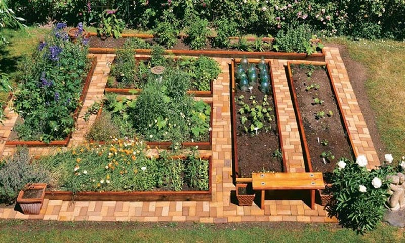 How to Build A U-Shaped Raised Garden Bed h (6)