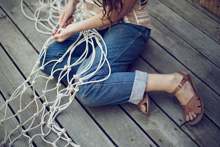 Make Your Own DIY Hammock Swing