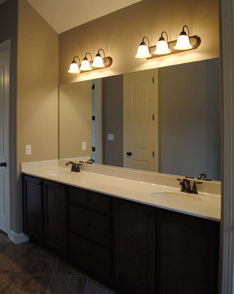 Bathroom light fixtures tips quiet corner for Bathroom lighting design tips