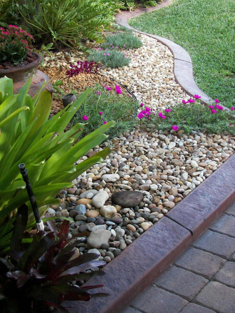 Beautiful rock garden ideas quiet corner for Garden landscaping stones