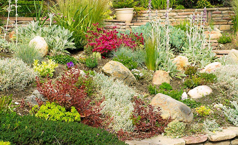 Beautiful rock garden ideas quiet corner - Decorations exterieures de jardin ...