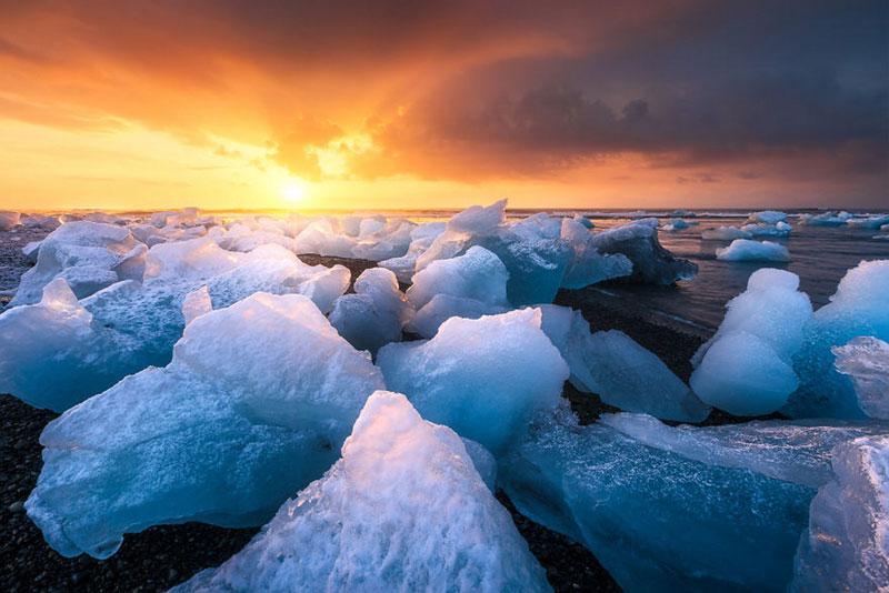 Iceland by Julien Grondin