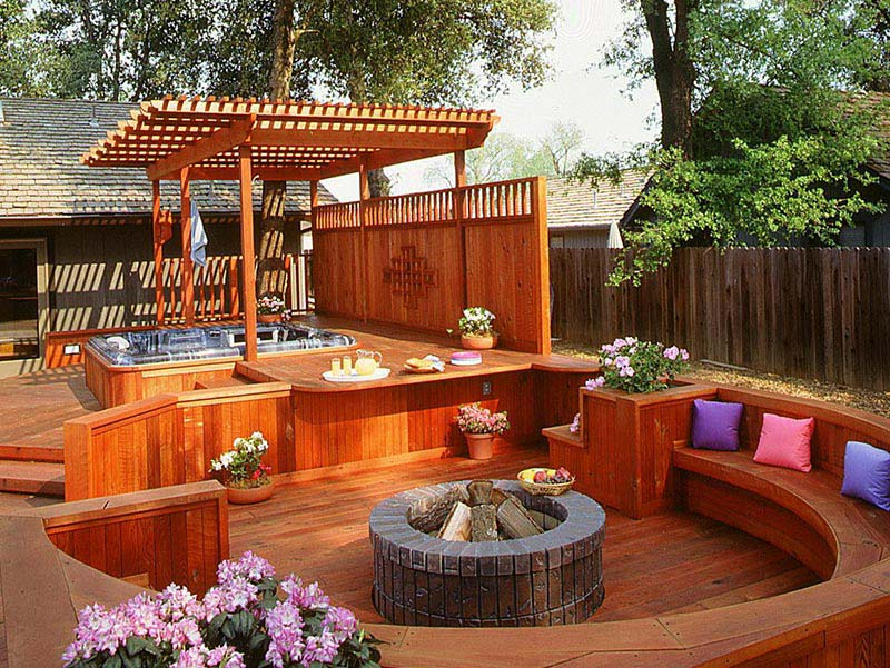 Ideas and tips for custom front yard and backyard decks for Custom backyard designs