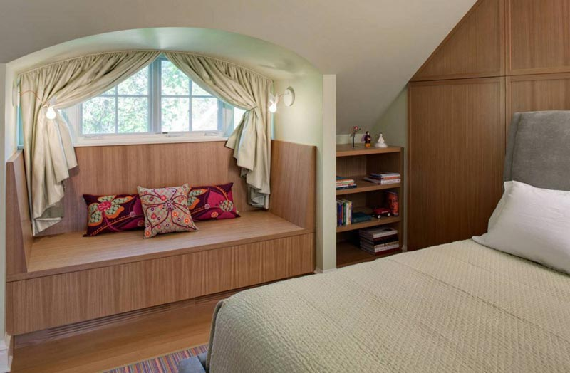 Small Bedroom You Will Want To Spend More Time In The E Add A Sconce Either Side Of Bed Make Reading Enjoyable And Relaxing