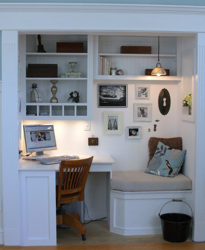 turn your closet into a home office quiet corner. Black Bedroom Furniture Sets. Home Design Ideas