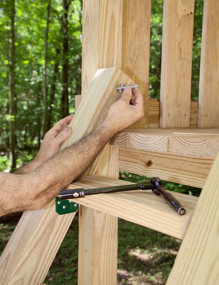DIY - Backyard Wooden Swing Set