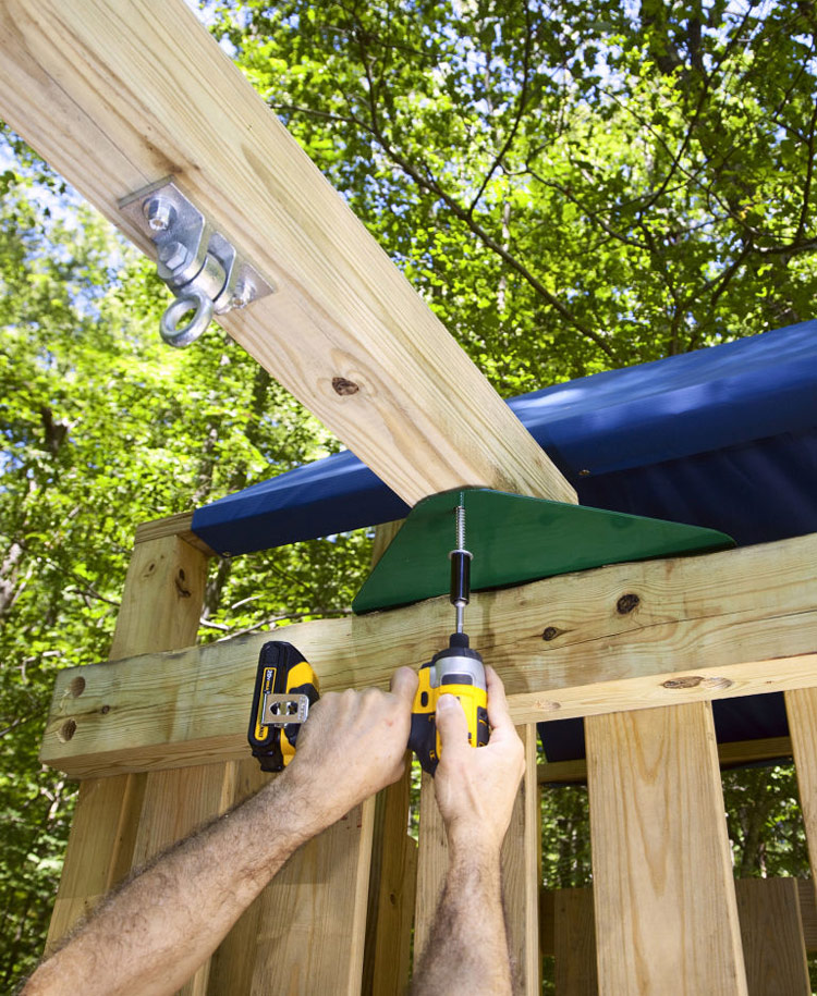 DIY - Backyard Wooden Swing Set
