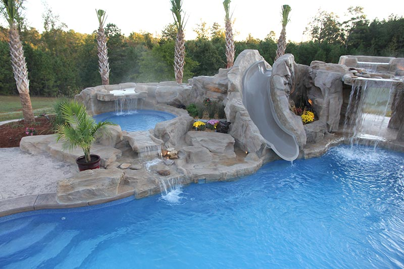 Backyard pool designs for contemporary residences quiet for Best backyard pool designs