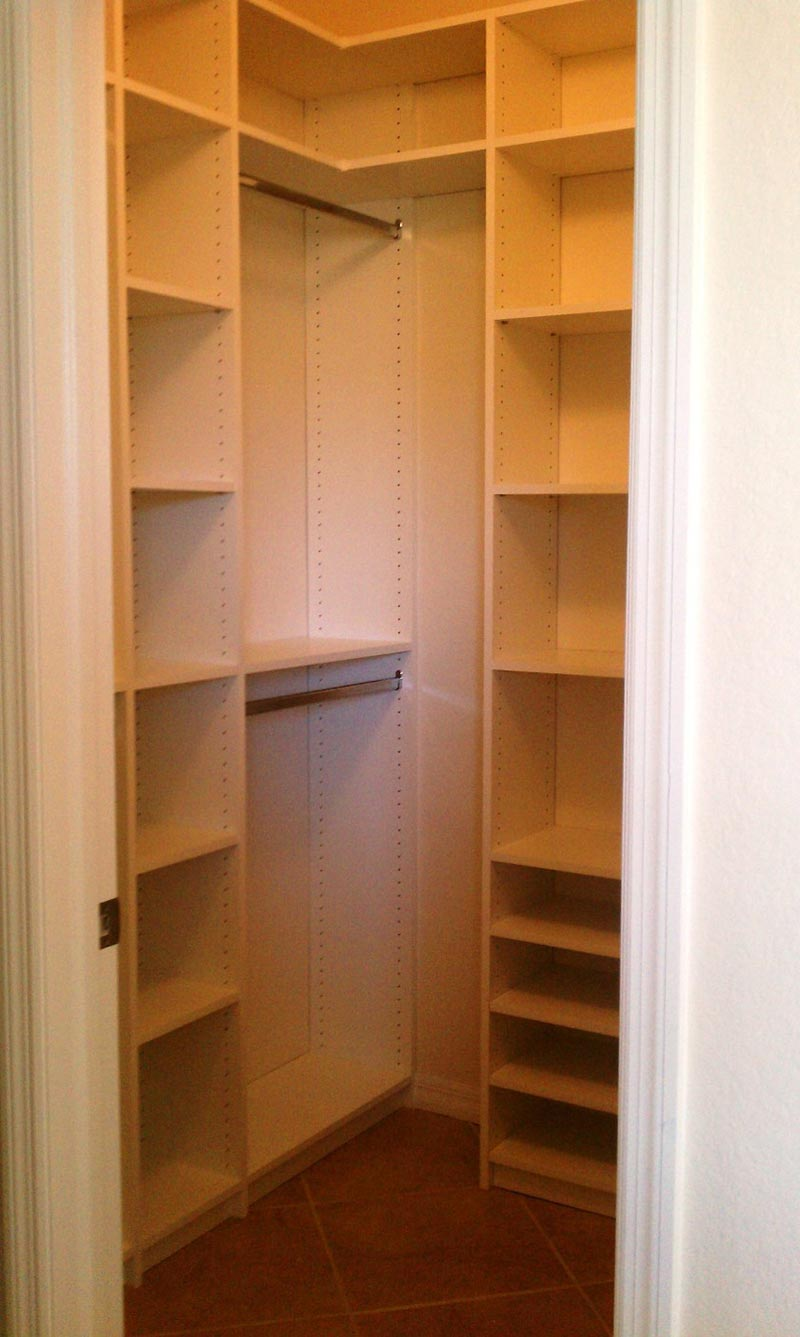 Minimalist Closet Organization Simple