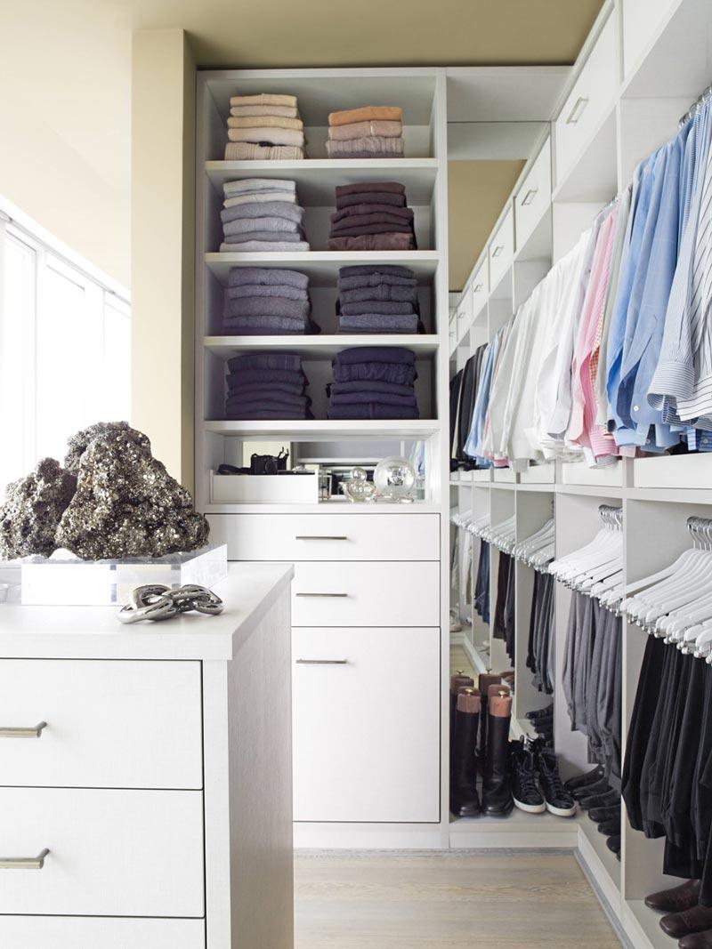 Minimalist Closet Women