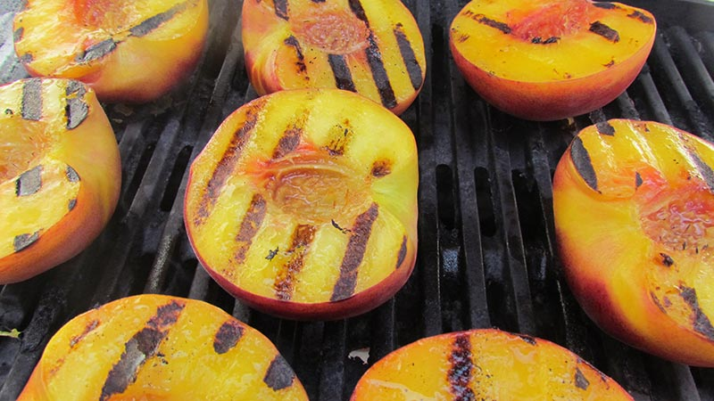 Delicious Grilled Peaches Recipe