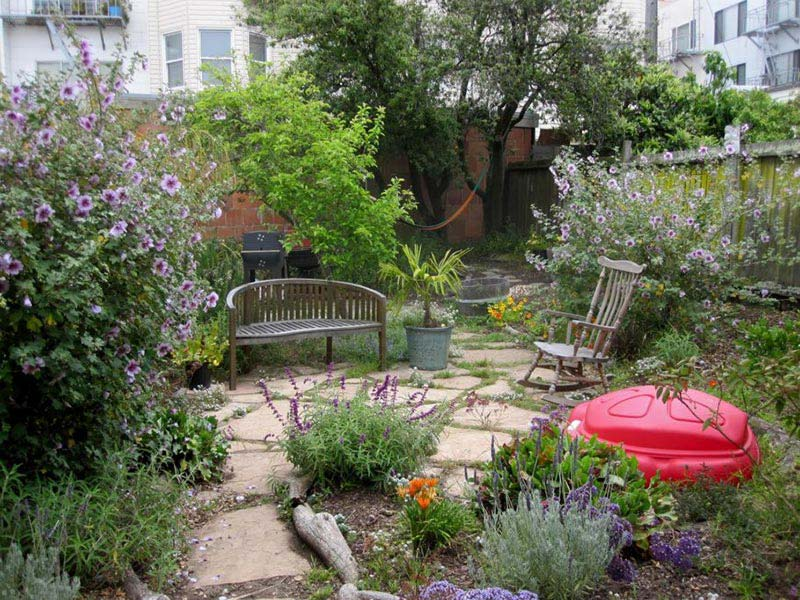 ... Small Backyard Ideas Enlarging Your Limited Space ...
