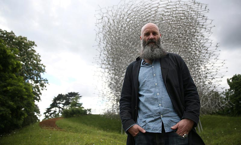 """""""The Hive"""" Sculpture Controlled by Actual Be"""