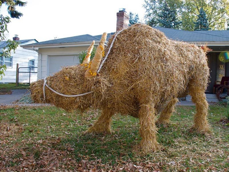 Leftover Straw Makes For Awesome Art