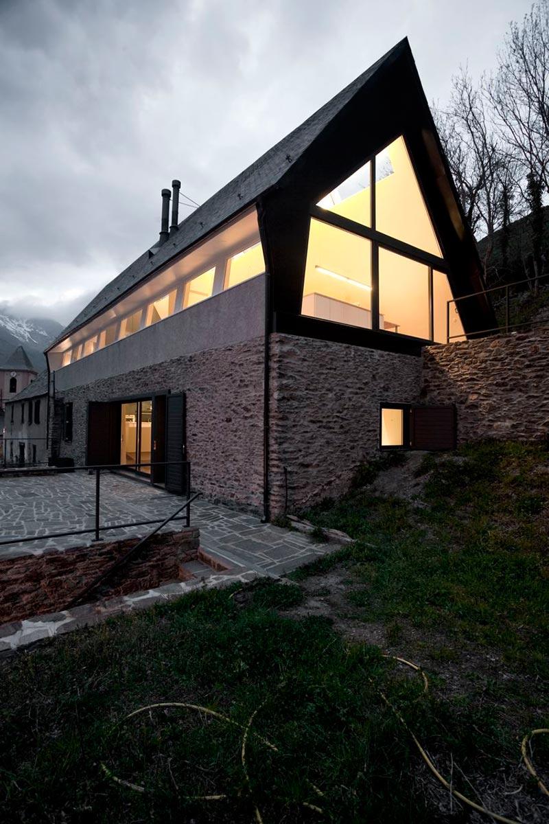 Mountain Home Guinovart Florensa Residence