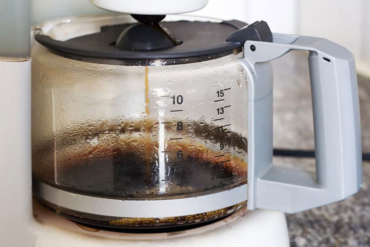 Coffee Pot Stains Cleaning : How To Clean A Coffee Pot - Quiet Corner