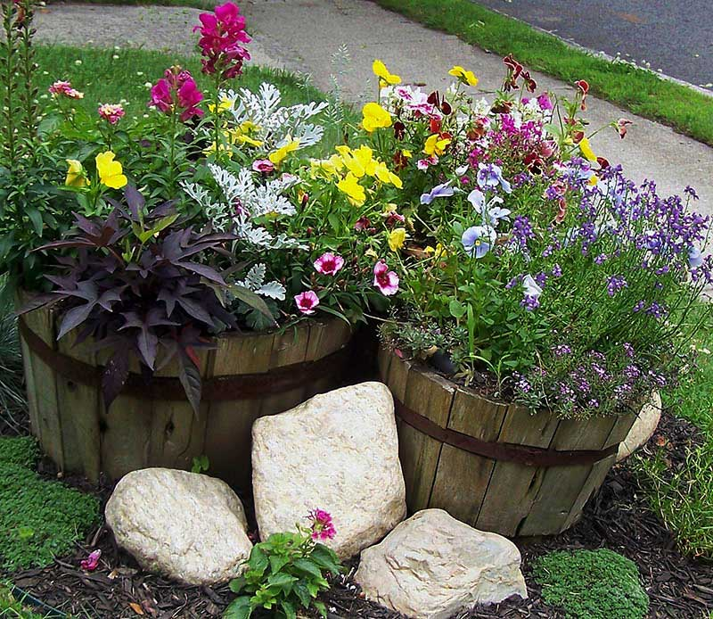 Quiet Corner Container Gardening Ideas