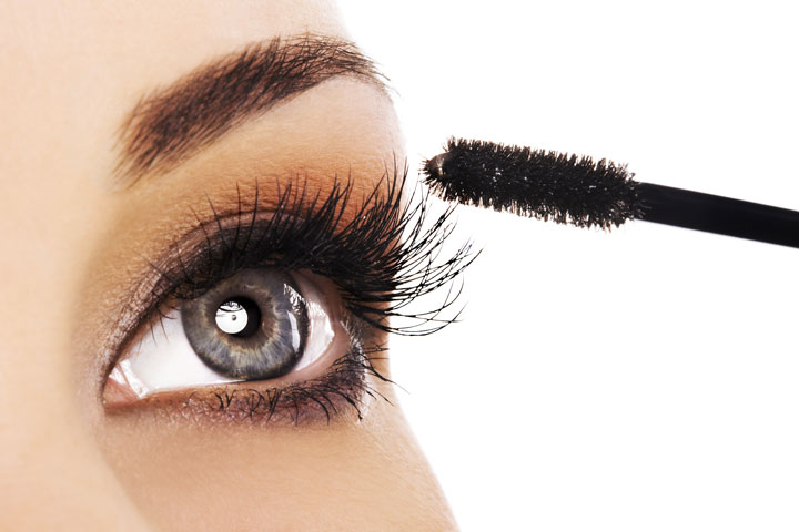 Clean Up Mascara Smudges Without Ruining Your Makeup