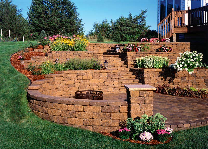 Retaining wall design ideas quiet corner for Block wall landscape design