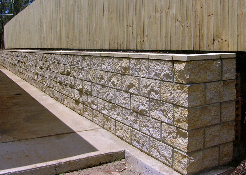 What You Need to Know About Retaining Wall Material