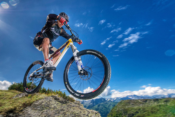 Mountain Biking 101: Hardtail or Full Suspension?
