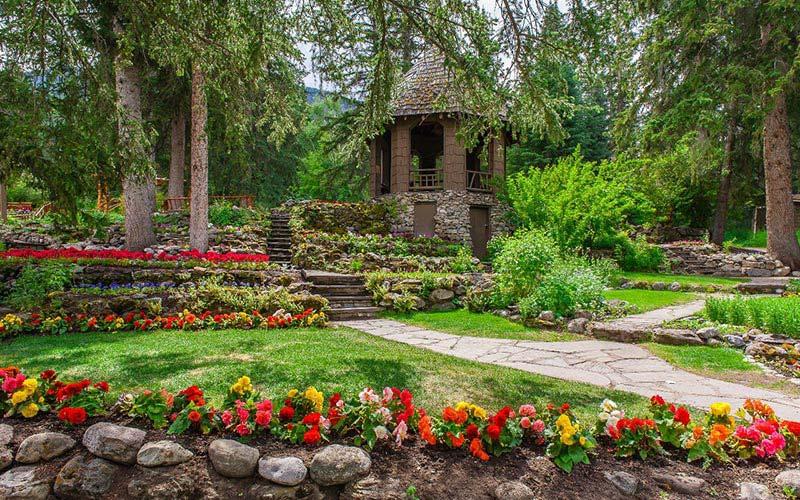 Amazing-Backyard-Landscaping-Ideas-26 Backyard Ideas No Lawn Mulch on no grass front yard ideas, no mow backyard ideas, front lawn landscaping ideas, landscape design ideas, no grass landscaping ideas, no lawn for winter service, no grass fence line ideas, no lawn landscaping,