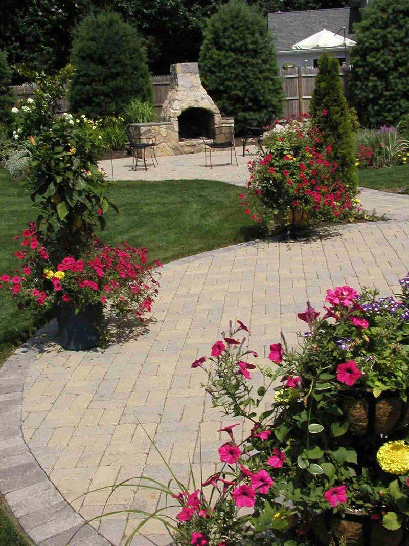 Amazing backyard landscaping ideas quiet corner for Patio landscaping